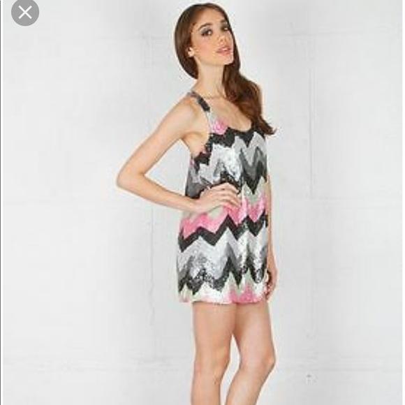 Parker Dresses & Skirts - Parker zig zag mini sequin dress sz XS pink black